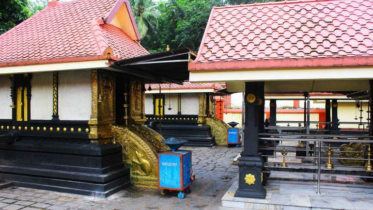 Mathirappilly-Sree-Mahaganapthi-Temple-Shrine