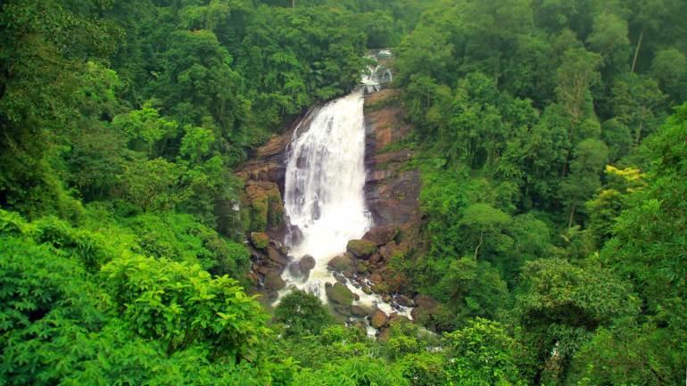 Valara-Waterfalls-enroot-from-Kochi-to-Munnar-Kochi-Dhanushkodi-Munnar
