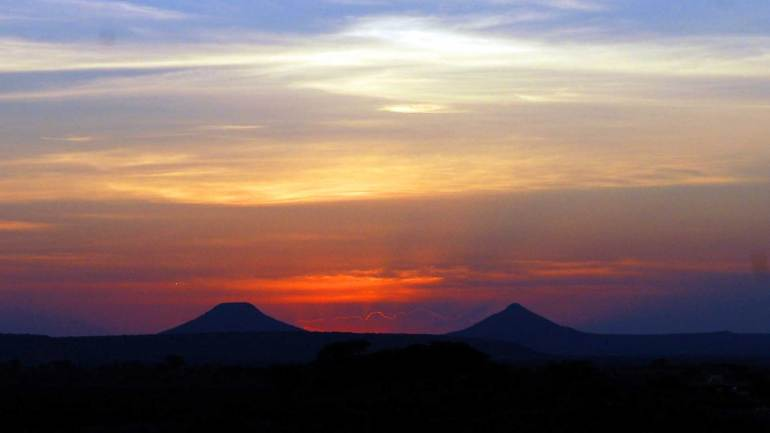 Beauty-of-the-Naaso-Hablood-mountains-in-the-sunset