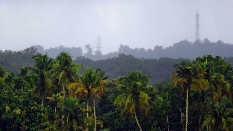 Heavy-rain-accompanied-with-gusty-winds