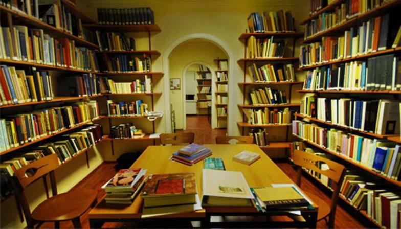 odayı kütüphane yapmak
