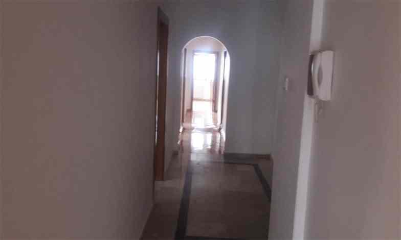 Emek-Tadilat-işiTüm koridor tavan ve duvarları alçı sıva tamiratları yapıldıktan sonra boya badana yapılacak.mize-başlıyoruz-19