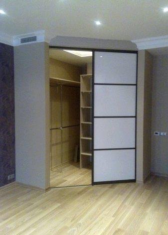 угловая гардеробная в спальне фото дизайн 7