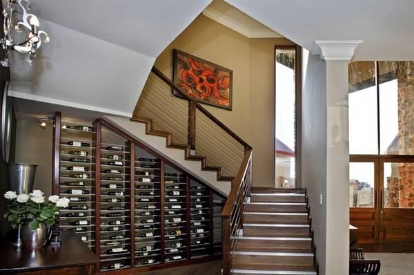 evde merdivenlerin altındaki dolaplar, fotoğraf 13
