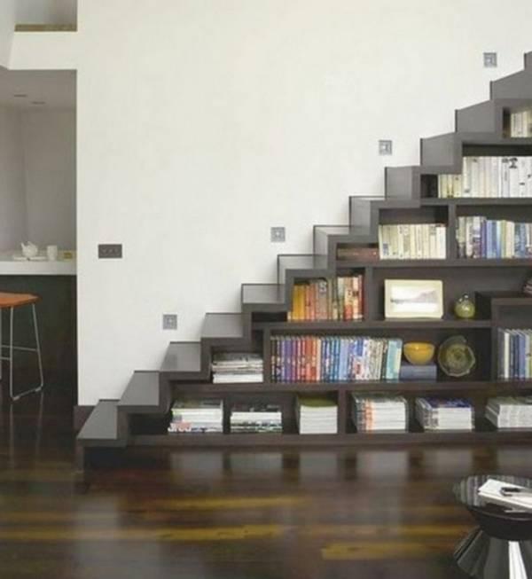 bir kır evinde merdivenlerin altındaki dolaplar, fotoğraf 14