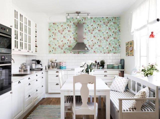 provence tarzı fotoğrafta küçük bir mutfak tasarımı