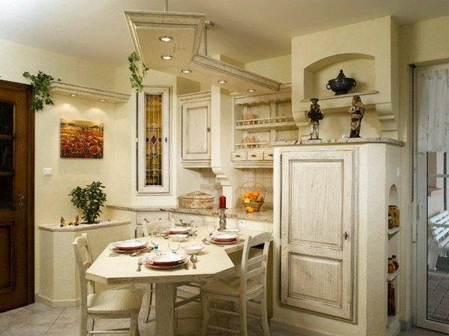 provence tarzı tasarım fotoğrafında küçük mutfak
