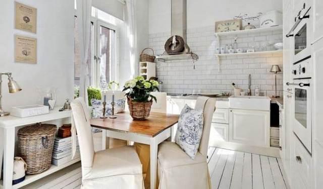 provence tarzı iç tasarımda küçük mutfak