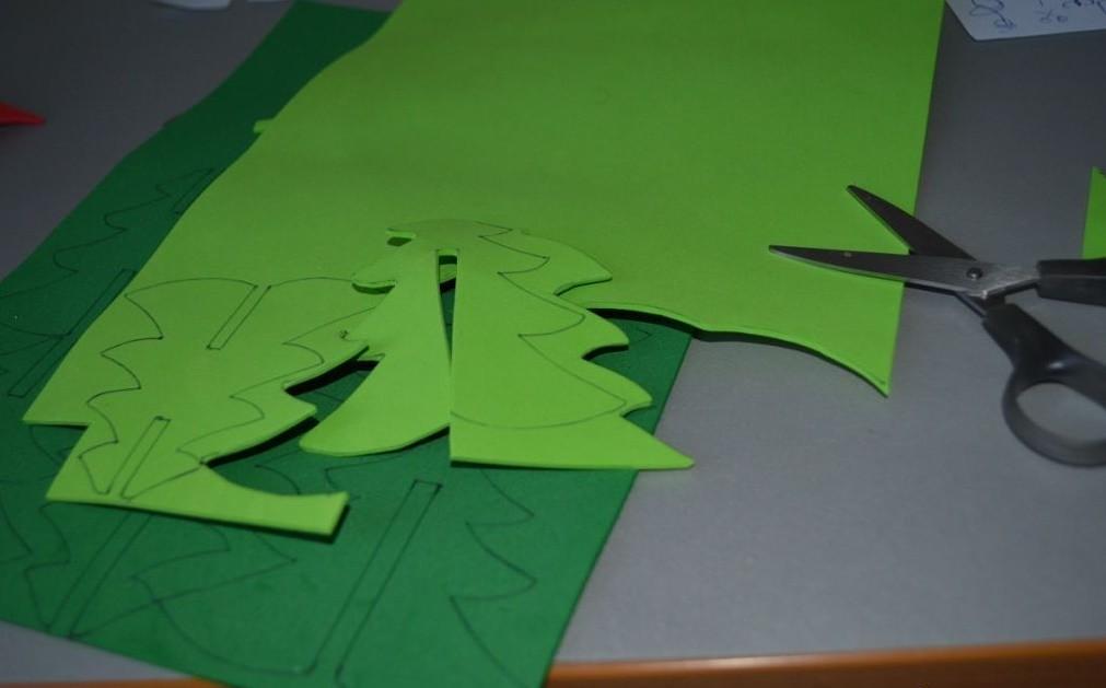 Fir-tree dari kelas induk Foamiran