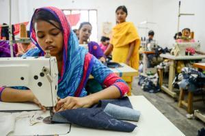 """Kleren krijgen kinderarbeid label. """"We vinden dat kinderen meer erkenning verdienen voor hun werk"""""""