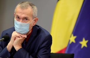"""Frank Vandenbroucke: """"Winterprik telt mee als eerste vaccinatie"""""""