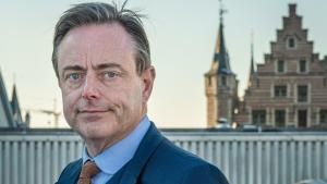 """Parlement komt tot realisatie: """"Waar is eigenlijk Bart De Wever zijn ziektebriefje?"""""""