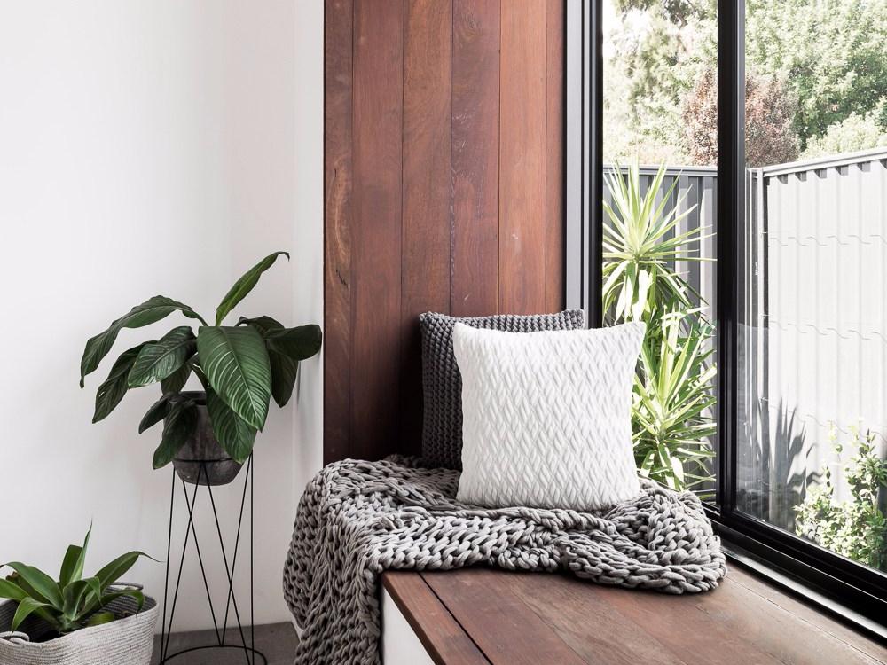 jendela rumah minimalis sederhana