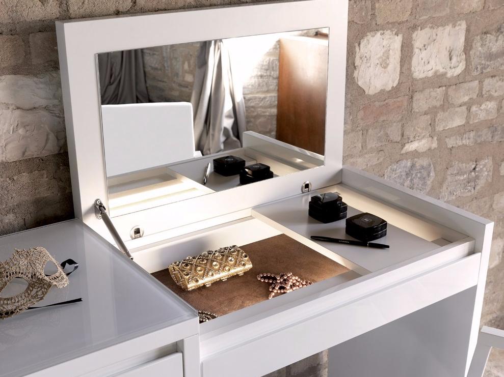 rumah minimalis sederhana cermin rias