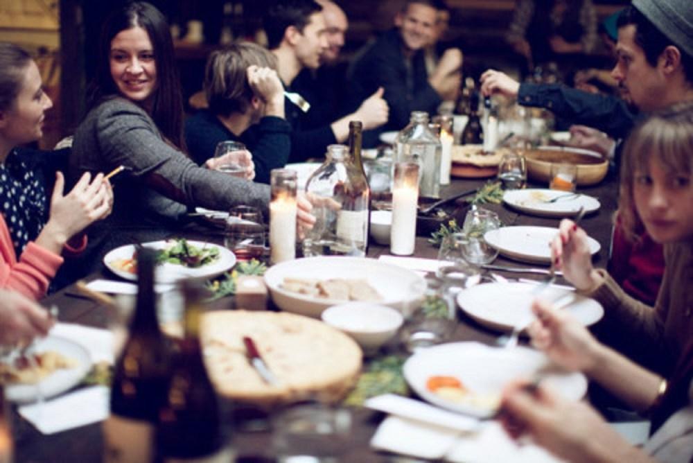 Dekorasi Ruang Makan untuk Jamuan Makan