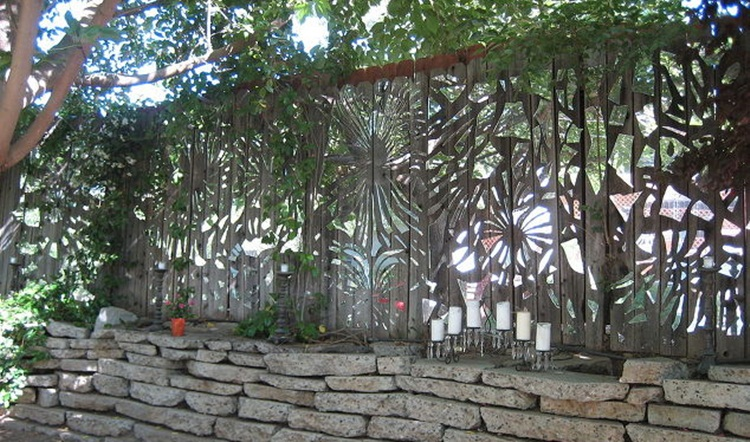 Pagar Rumah Unik Mozaik Kaca