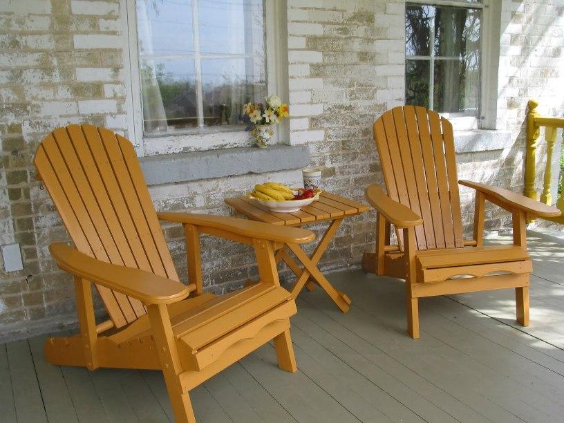 9 model kursi teras yang buat acara bersantai lebih homey