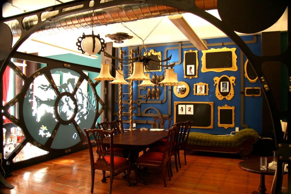 Ruang Kantor Three Rings Design