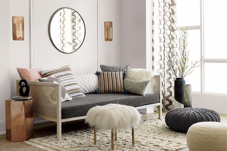 Desain Apartemen Ala Bohemian Modern untuk Ruang Keluarga Kecil
