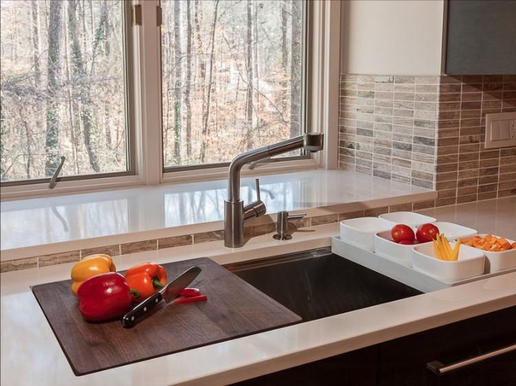 Desain Dapur Kecil Multifungsi Tempat Cuci Sekaligus Talenan