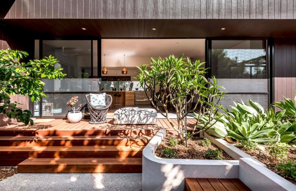 19 Inspirasi Model Teras Rumah Paling Populer