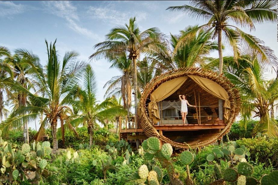 Kembali ke Alam dengan Desain Rumah Bambu Alami!