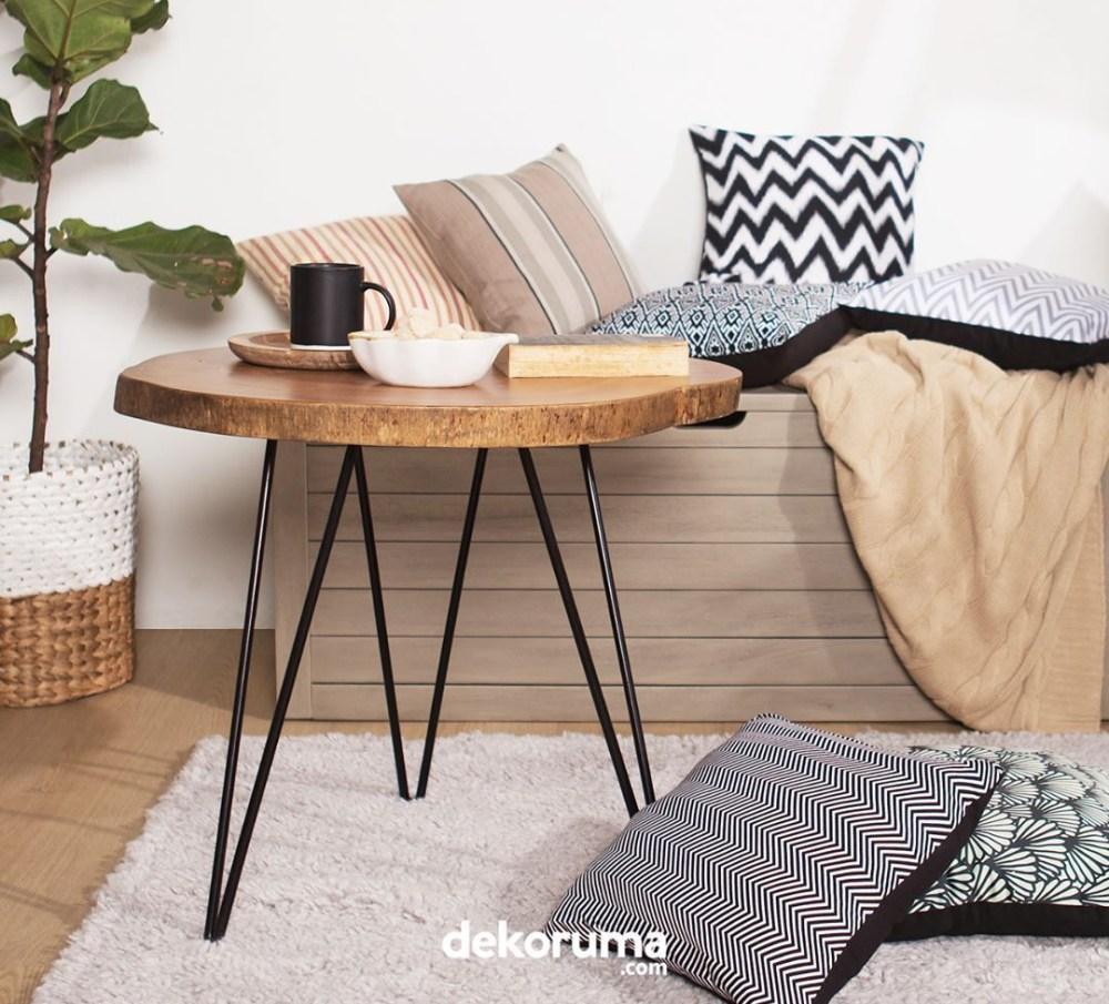 desain rumah modern bantal sofa