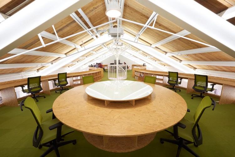 Desain interior kantor unbot inc