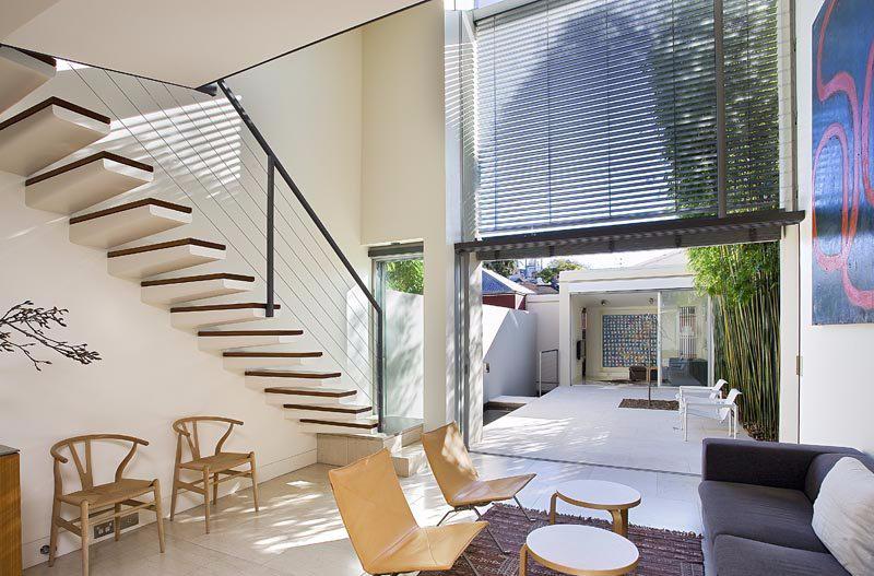 Void Rumah Vertikal