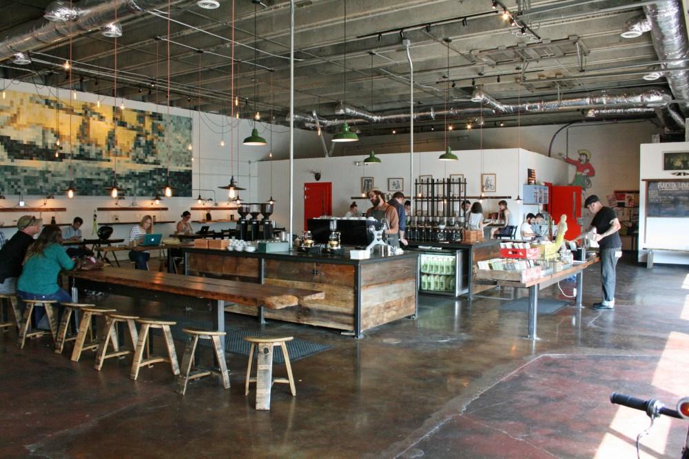 interior cafe garasi