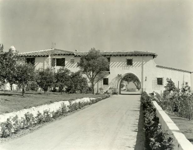 Arsitektur Rumah Mediterania Thompson