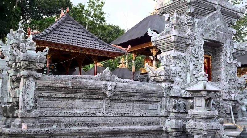 Tembok Rumah Bali