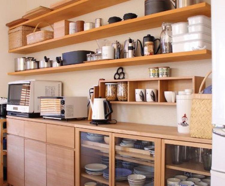 Dapur bersih ala Jepang yang rapi meski banyak perabotan