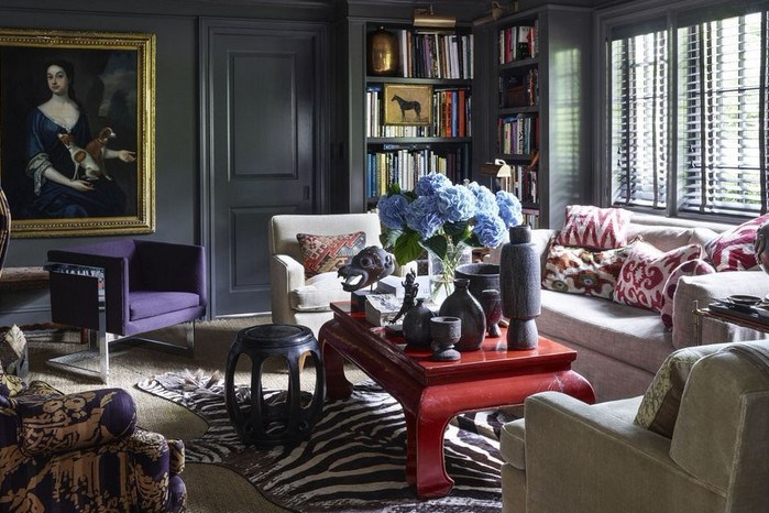 Interior ruang keluarga bergaya eklektik nan elegan
