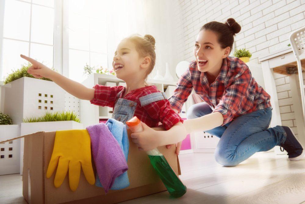 Merapikan Rumah Sambil Bermain
