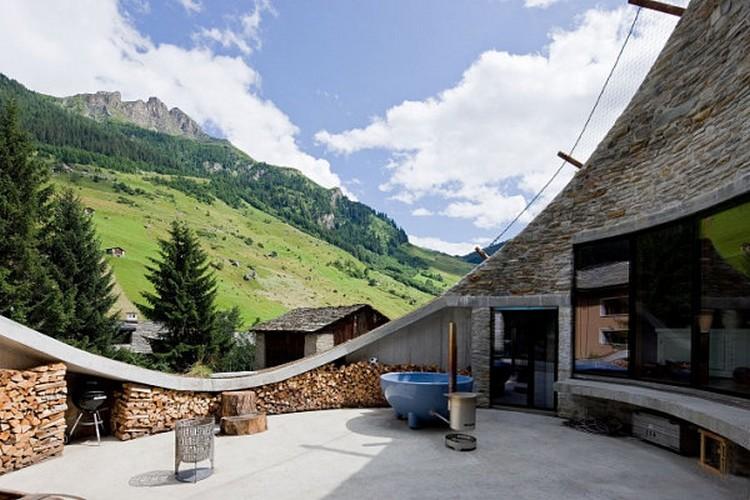 Arsitektur Rumah Bawah Tanah Switzerland's Villa Vals
