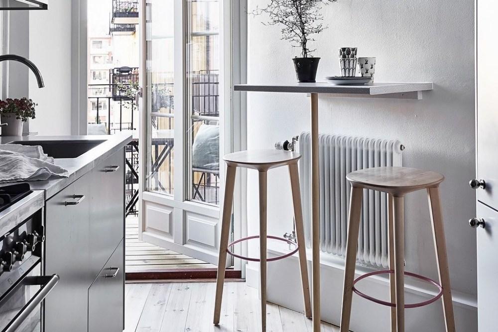 Meja bar minimalis untuk kamu yang tinggal seorang diri