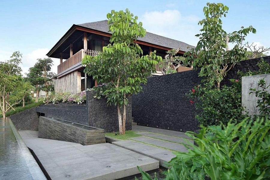 Rumah Batu Alam Bali