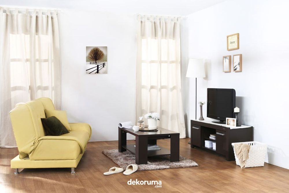 Lantai kayu desain ruang tv