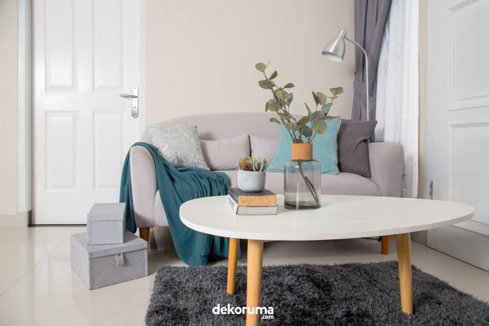 Interior ruang keluarga yang sederhana