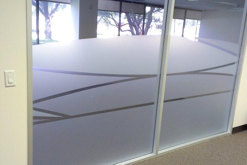 model jendela minimalis frosted