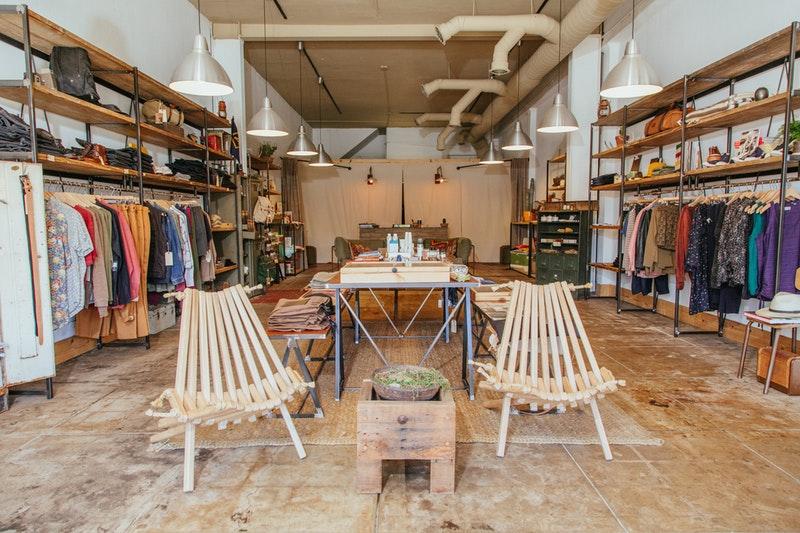 Ciptakan pengalaman belanja yang menarik lewat konsep desain toko kecil yang kreatif