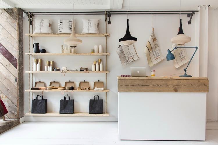 Rak display desain toko kecil