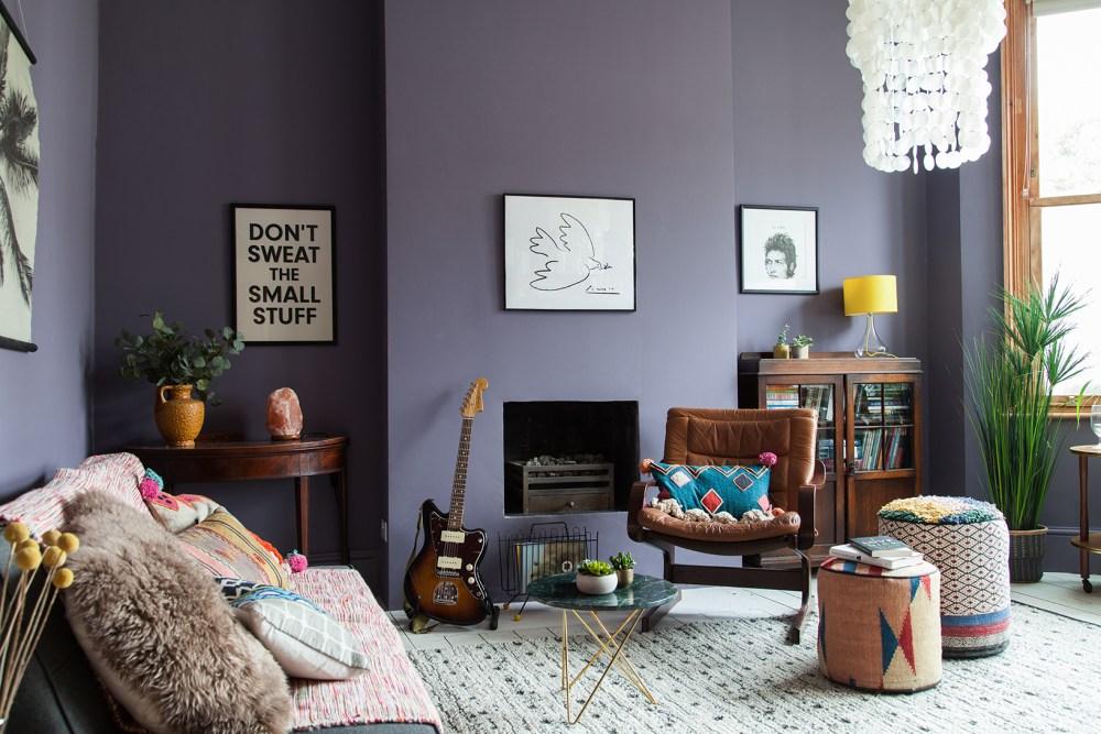 Biru keabuan warna cat interior rumah