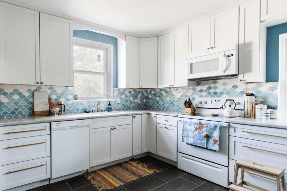 Soft-Look of the Light Blue In Kitchen Ceramic Colors
