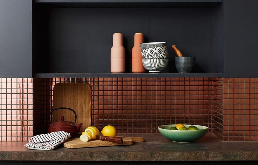 Metalik Warna Keramik Dapur