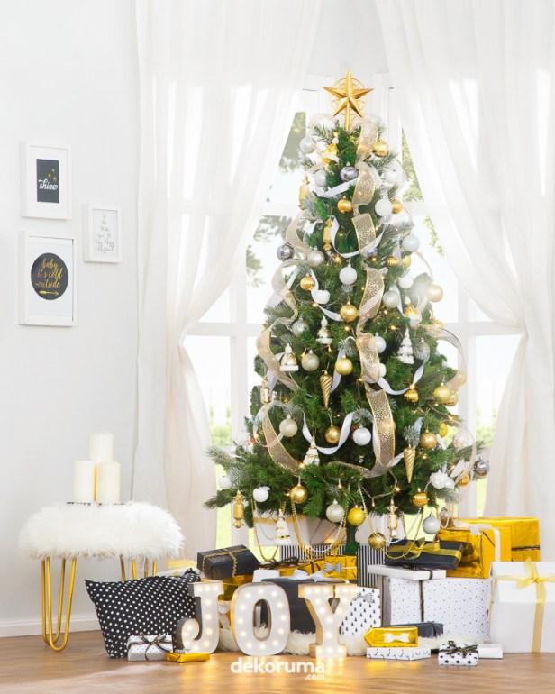 Gambar Dekorasi Pohon Natal