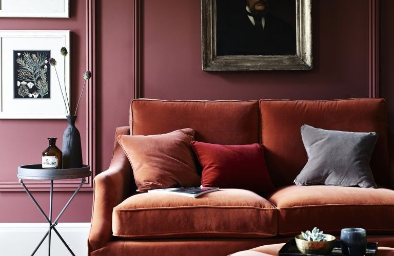 Maroon warna cat interior rumah