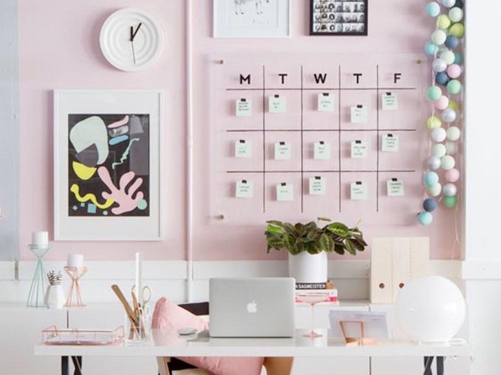Kalendar akrilik