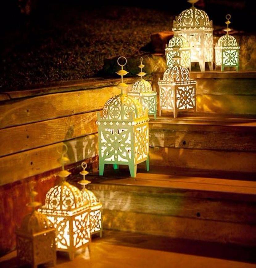Rumah Lebih Ceria Dengan 5 Lampu Tangga Unik Ini